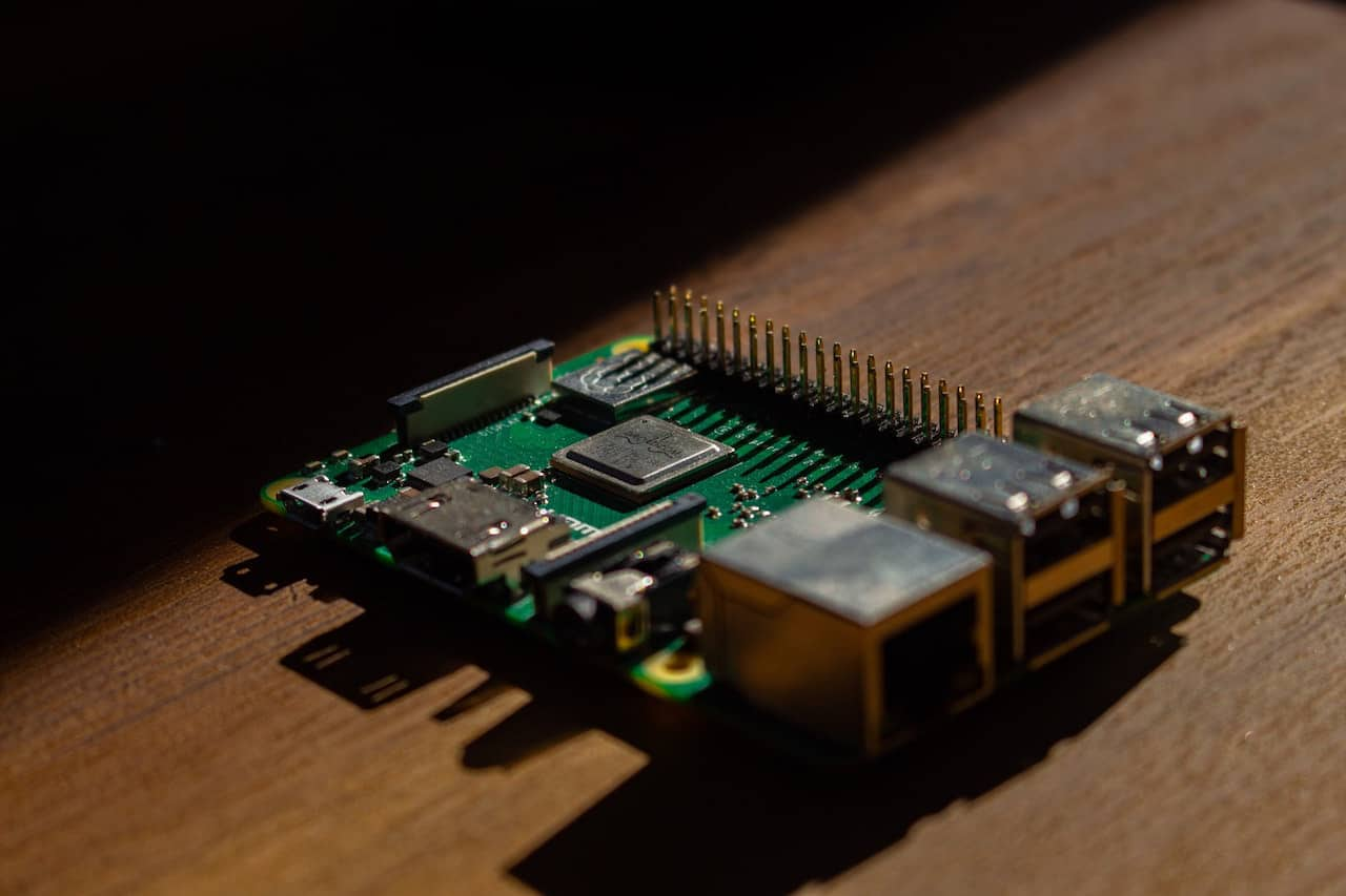 15 Raspberry Pi Projects for Beginners to Keep You Busy